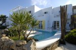 Kivotos - Mykonos Hotel with a jacuzzi